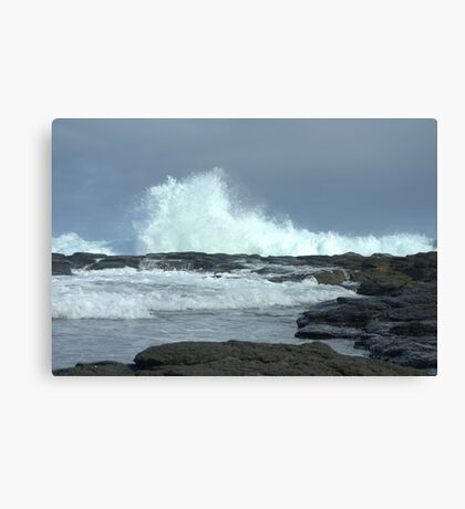 Crashing wave Canvas Print