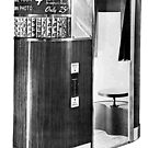 Model 11 Photobooth by kayve