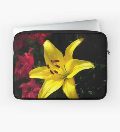 jaune et rouge Laptop Sleeve