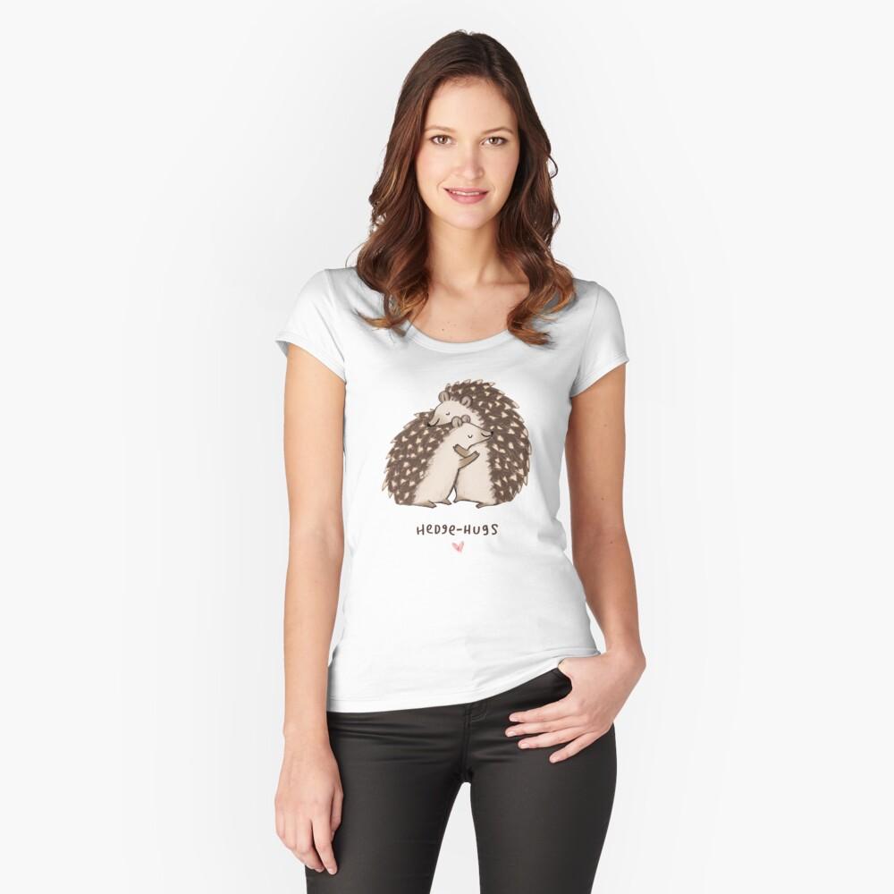 Hedge-Umarmungen Tailliertes Rundhals-Shirt