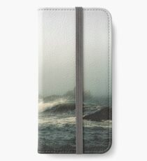 Into the waves V iPhone Wallet/Case/Skin