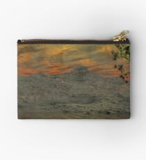 Issues - Global Warming3 Studio Pouch