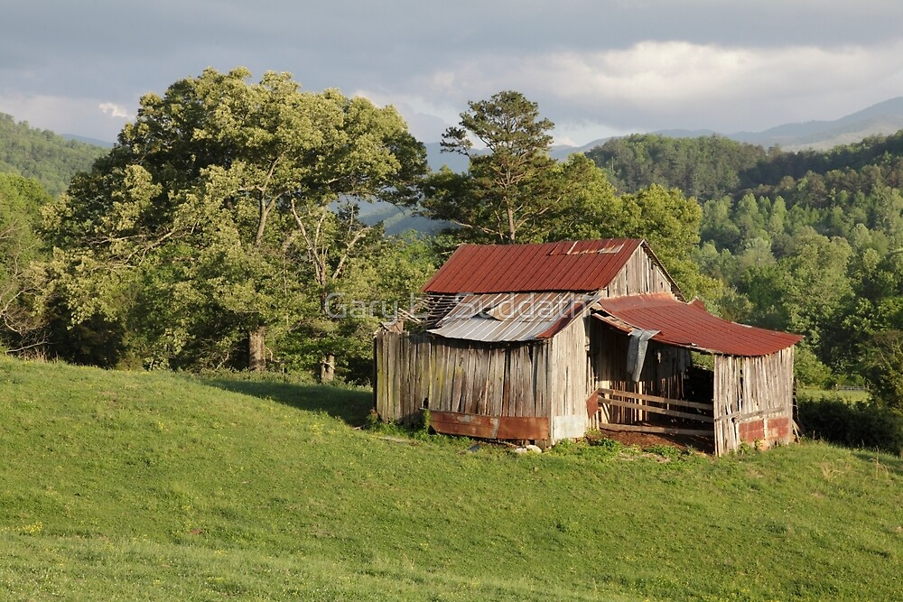 Weathered Old Barn by Gary L   Suddath