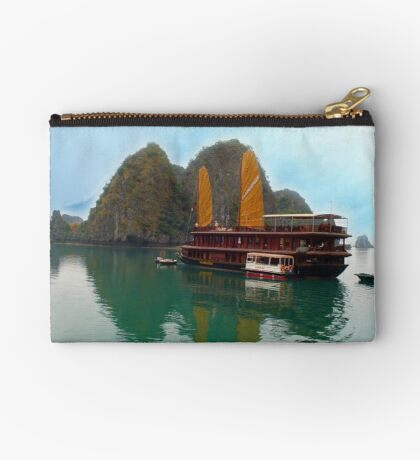 """Halong Ginger"" sails in the Gulf of Tonkin, North Vietnam Studio Pouch"