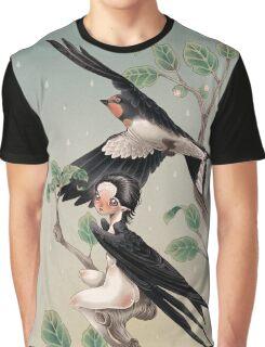 The little traveler Graphic T-Shirt