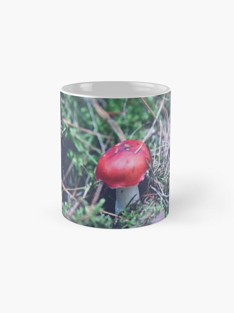 Alternative Ansicht von Rote Pilze im Wald Tasse