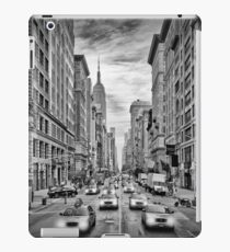 NYC 5th Avenue | Monochrom iPad Case/Skin