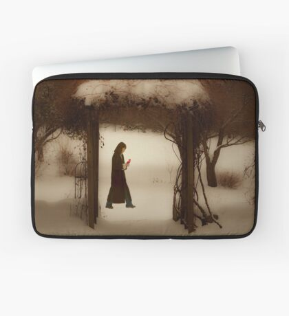 If on a winter's night Laptop Sleeve