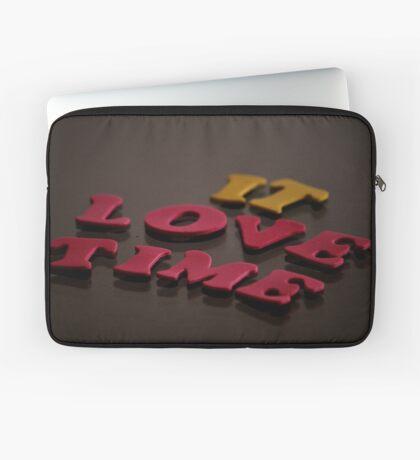 It Love Time Laptop Sleeve