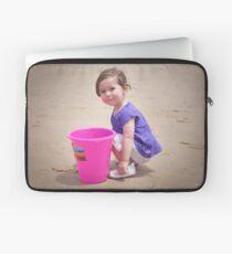 Fun with a bucket, Birubi Beach - Port Stephens NSW Laptop Sleeve