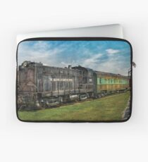 Train - Baldwin Locomotive Works Laptop Sleeve