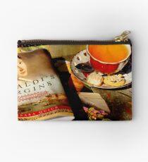 Tea and a Read Zipper Pouch