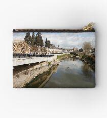 Orontes river in Hama, Syria.  Studio Pouch