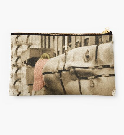 girl with designs Studio Pouch