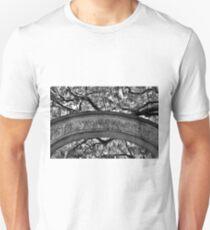 Wormsloe Plantation Isle Of Hope Ga Black And White Unisex T-Shirt