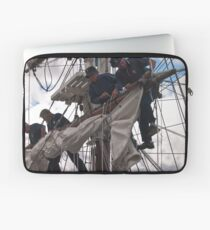 Foresail replacement - Lady Nelson Laptop Sleeve