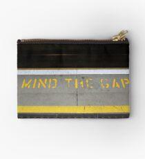 mind the gap Studio Pouch