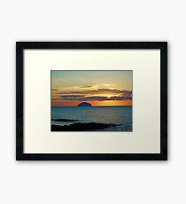 Lámina enmarcada Puesta de sol sobre Ailsa Craig