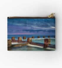 Coogee Rock Pool  Studio Pouch