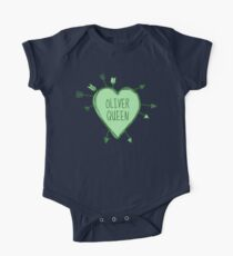 Oliver Queen - Heart with Green Arrows Doodle One Piece - Short Sleeve