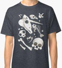 black Skulls and Bones - Wunderkammer Classic T-Shirt