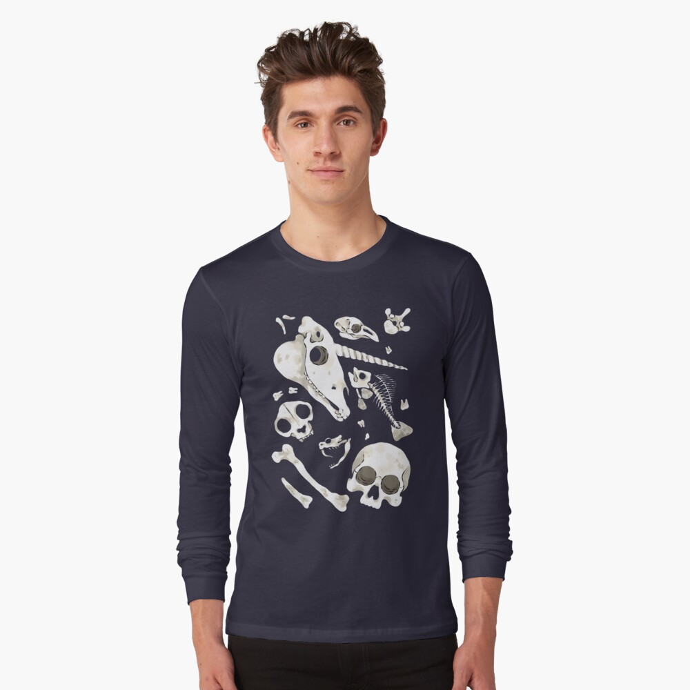 black Skulls and Bones - Wunderkammer Long Sleeve T-Shirt