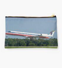 N939AE, American Eagle, Embraer EMB-145LR Studio Pouch