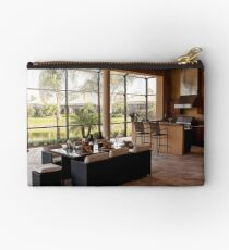 Outdoor Dining Studio Pouch