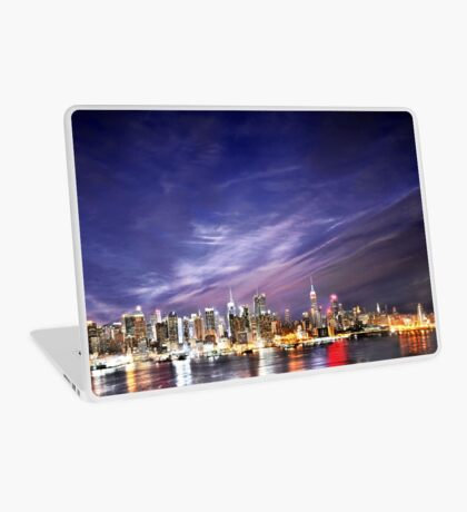 Manhattan Skyline: NYC Laptop Skin
