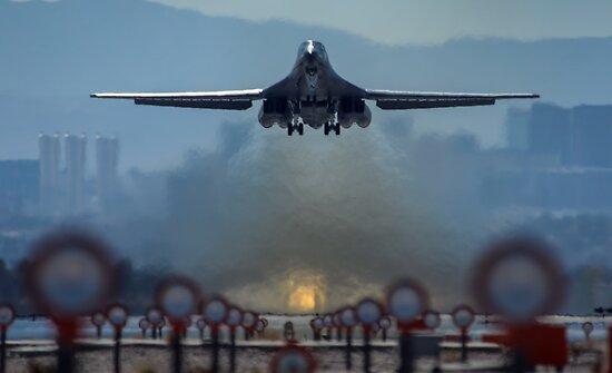 B-1B Lancer by flyoff