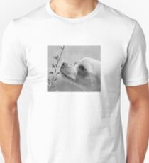 Chihuahua and the Important Message--Take Time to Smell the Flowers T-Shirt