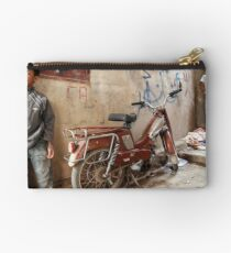 2 Kids and a Motorcycle - Tinerhir Morocco Studio Pouch