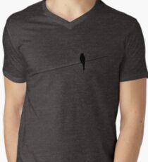 Vogel auf einem Draht T-Shirt mit V-Ausschnitt für Männer