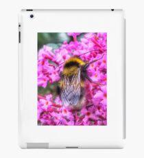 Bumble bee in summer iPad Case/Skin