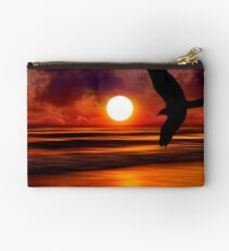 Dreams Fly Beyond Sunset Point   Studio Pouch