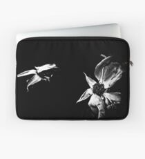...And Death Came... Laptop Sleeve