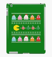 Merry Geeky Christmas (Green)  iPad Case/Skin