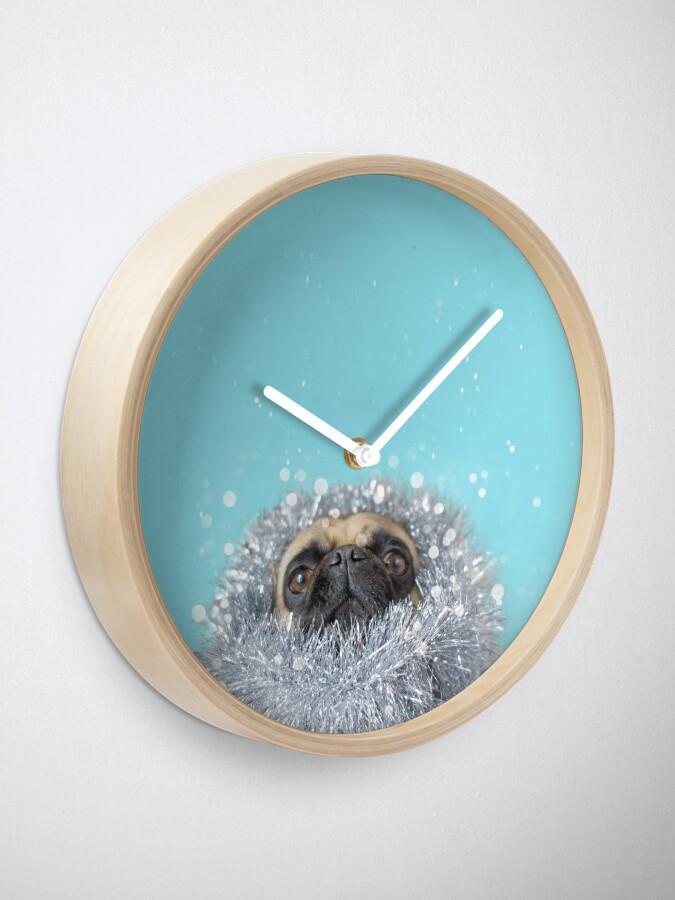 Alternative Ansicht von Lametta Mops Uhr
