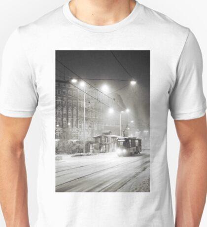It's snowing T-Shirt