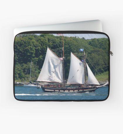 Tall Ship Sailing Past Newport, RI Laptop Sleeve