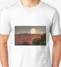 Super Full Moon rising Unisex T-Shirt