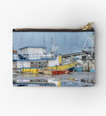 Rainy day at Potter's Cay in Nassau, The Bahamas Studio Pouch