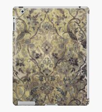 An Antique Floral Pattern. iPad Case/Skin