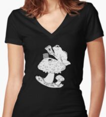 Bookish Frog Women's Fitted V-Neck T-Shirt