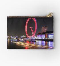 Thames River, London, England, UK * Studio Pouch