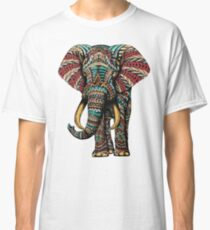 Verzierter Elefant (Farbversion) Classic T-Shirt