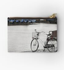 Hoi An bicycle in rain Studio Pouch