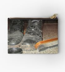 Old woman boots with cleaning set Studio Pouch