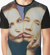 The Schmoopies - Gillian and David painting Graphic T-Shirt