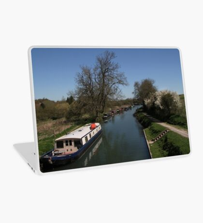 View From A Bridge - Kennet and Avon Canal Laptop Skin